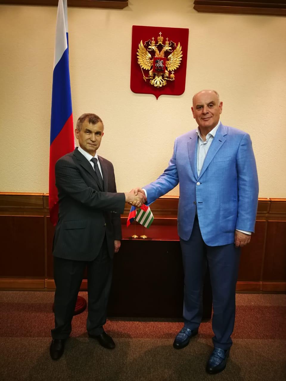 Аслан Бжания встретился с Рашидом Нургалиевым