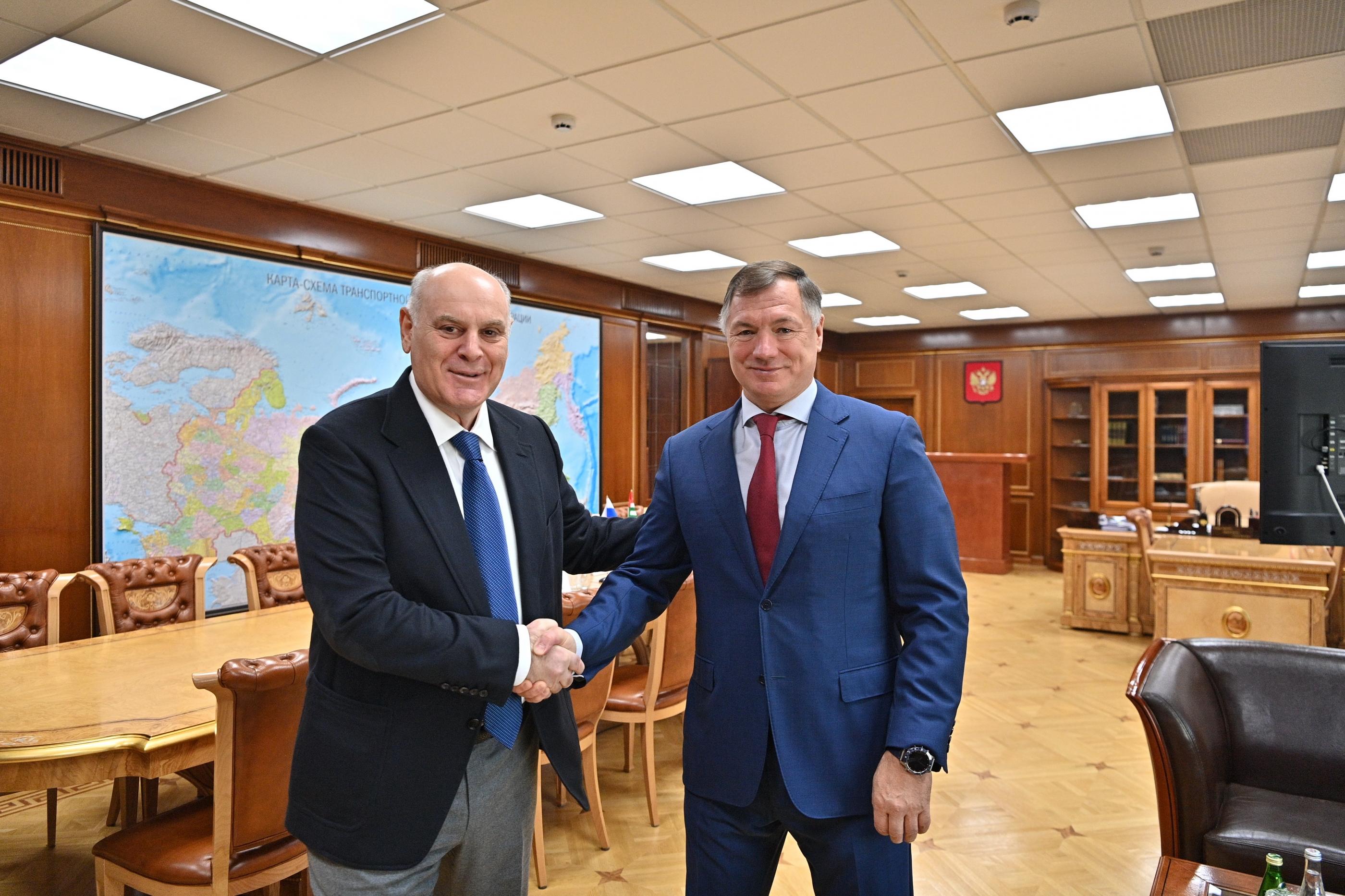 Президент Аслан Бжания встретился в Москве с Зам.председателя Правительства Маратом Хуснуллиным